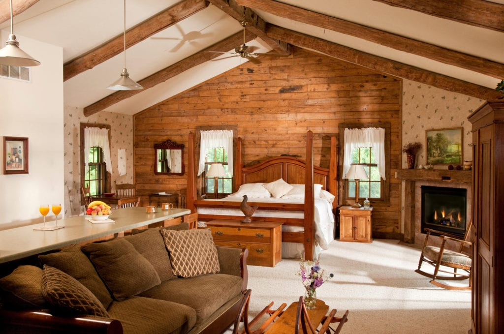 Tamarack Cottage Overview - Door County Log Cabin